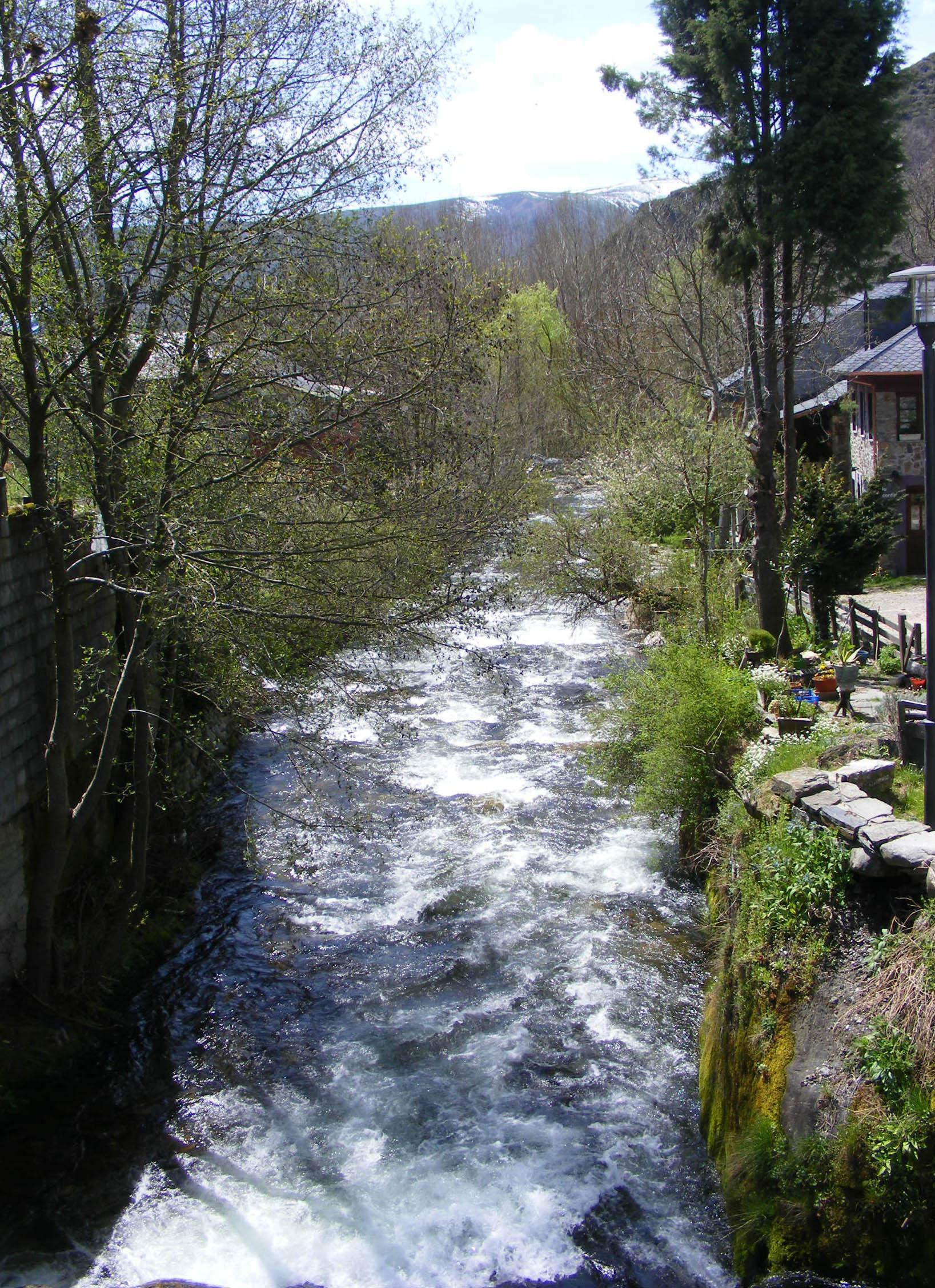 Río Boeza en Colinas